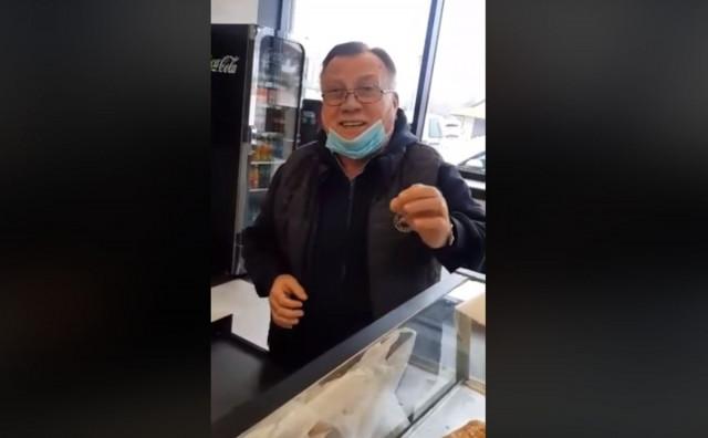Halid Bešlić došao po pecivo u pekarnu pa zapjevao