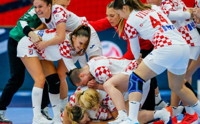 Hrvatske rukometašice u polufinalu Eura, utakmica života Ćamile Mičijević!