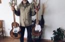 KREATIVNI TATA ZDENKO 'Sestrama Ramljak' otac je za Božić izradio unikatne gitare