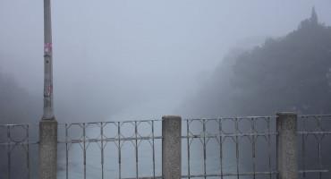 Maglovito novogodišnje jutro u Mostaru