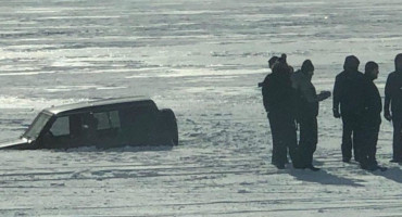 Bager izvukao džipa iz Blidnjskog jezera