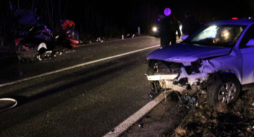 MOSTAR Na mjestu teške prometne nesreće, podignut spomenik poginulim članovima obitelji