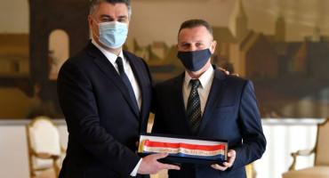 Zoran Milanović uručio odlikovanja postrojbama HVO-a i Specijalne policije MUP-a HR HB