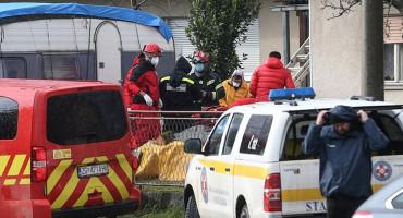 NOVA TRAGEDIJA U PETRINJI Poginuo volonter, ozlijeđena dva vatrogasca