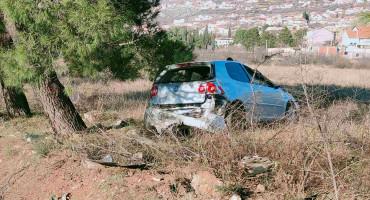 MOSTAR U slijetanju auta s magistrale ozlijeđena jedna osoba
