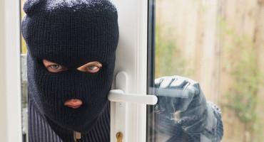 VIŠIĆI Maskirana osoba uz prijetnju nožem otuđila novac iz samoposluge