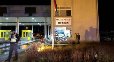 HRVATSKA Autom se zabio u naplatnu postaju, poginula jedna osoba