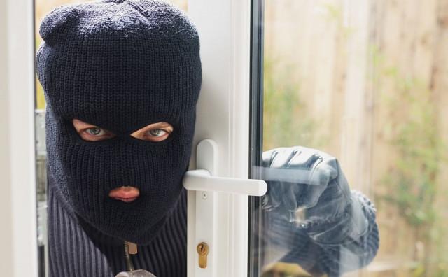 MOSTAR Uz prijetnju nožem otuđio novac iz kladionice