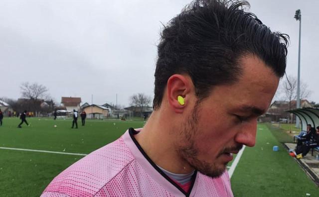Trener iz Tomislavgrada natjerao igrače da utakmicu igraju s čepićima u ušima