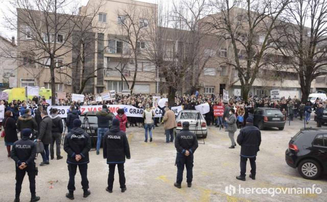 MUP HNŽ upozorio sudionike prosvjedne šetnje medicinskih radnika