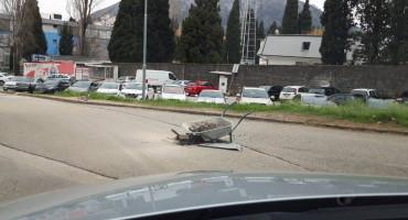 MOSTARSKI PATENT Karijola kao signalizacija za rupu na cesti