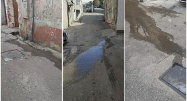 MOSTAR Zbog začepljene kanalizacije ulicom 'teku' fekalije