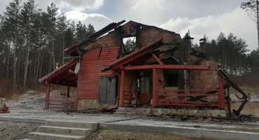 LIVNO U požaru uništen edukacijski centar