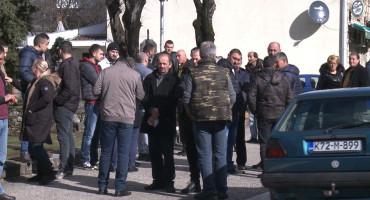 NAKON PROSVJEDA U Bileći se predao osumnjičeni za otmicu i premlaćivanje