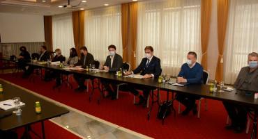 TREĆA SREĆA Novi sastanak Vlade HNŽ-a i Sindikata zdravstva u privatnom hotelu