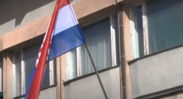 PISMO IZ BEČA Normalnog Srbina sigurno ne vrijeđa hrvatski grb