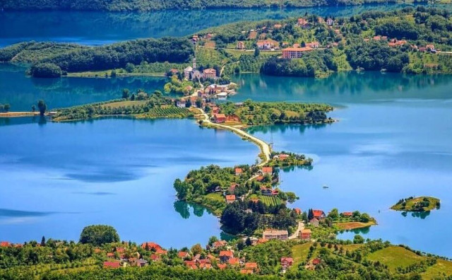 Ovo je jezero zbog kojeg još više jedva čekamo proljeće