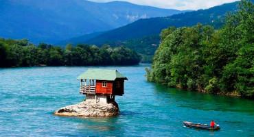 Kućica na rijeci Drini čije su slike obišle svijet