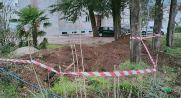 SANIRAN KVAR Nakon što je prekinuta vodovodna cijev, dio Mostaraca bio bez vode