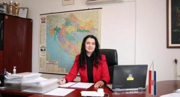 KRUHA NAM TREBA, IGARA SMO SITI Ministrica prosvjete HBŽ odgovorila načelnicima Drvara i Bosanskog Grahova