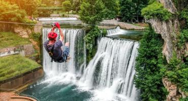 Zipline iznad jednog od najljepših vodopada svijeta je idealna vikend destinacija