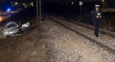 TRAGEDIJA KOD PRIJEDORA Vlak naletio na automobil, poginula žena