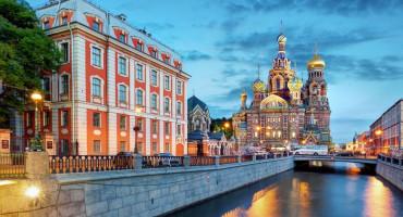 Doživite bijele noći u St. Petersburgu uz povratne avionske karte od 152 eura