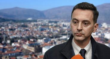 Nakon povijesnog uspjeha Dodik raspustio mostarski SNSD, pitali smo dr. Milivojevića zašto