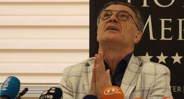"""BRAĆA NA OKUPU Zdravko Mamić o dolasku brata u Hercegovinu i sucima: """"Ako institucije ne rade svoj posao, mogu samo lajati na mjesec"""""""