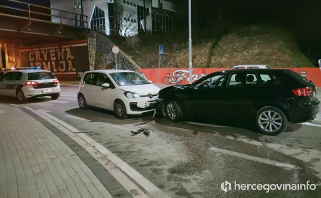 MOSTAR U prometnoj nesreći ozlijeđene četiri osobe