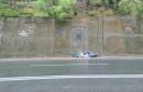 Smeće pada na prometnicu u Mostaru