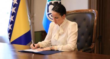 KRASAN START Gradonačelnica Sarajeva na početku mandata prodaje službeno vozilo