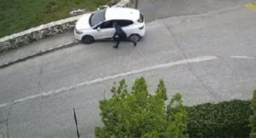 Guranje automobila u Mostaru postalo hit na društvenim mrežama