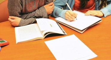 CIJENA 15 MARAKA PO SATU Učenici u HNŽ-u sve više moraju ići na instrukcije