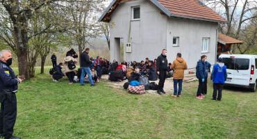 Migrantske obitelji od granice sa Hrvatskom izmještene u prihvatne centre