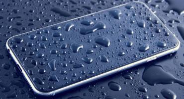 SAVJETI Što učiniti ako vam je mobitel upao u vodu ili ste ga polili nečim