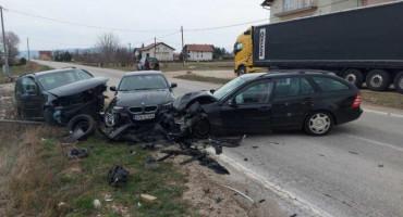 TOMISLAVGRAD - POSUŠJE U prometnoj nesreći ozlijeđene četiri osobe