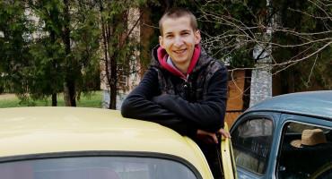 Mladić iz BiH se specijalizirao isključivo za popravak Zastava automobila