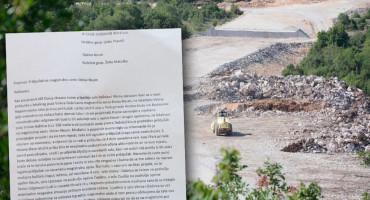 VOZE 6 KILOMETARA ZBOG PAR METARA Mještani četiriju sela najavljuju blokadu nove ceste Stolac-Neum