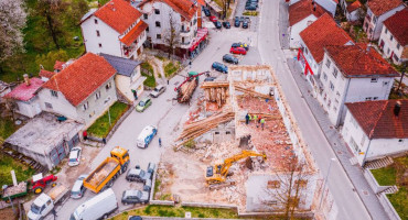 U Prozoru će se graditi gradski trg, srušen stari hotel