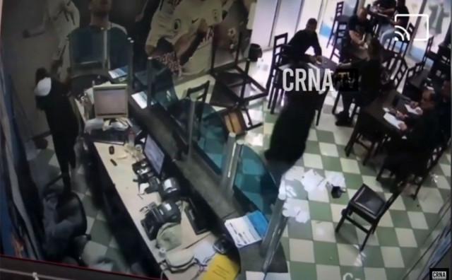 POBJEŠNJELI MAX Demolirao kladionicu u Mostaru pa tražio da se fizički obračuna s nekim
