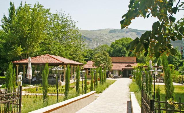 RESTORAN RADOBOLJA Oaza mira i gastronomskog užitka u srcu Mostara