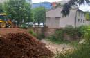 RUPA SVE MANJA Krater uskoro postaje dvorište