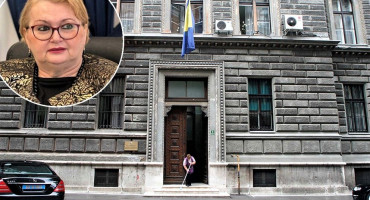 PRIVATNA DIPLOMACIJA Ministrica Turković kršeći zakon unaprijedila i uhljebila desetine ljudi bliskih SDA