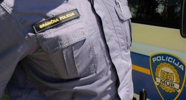 TJERALICE IZ BIH I CRNE GORE Graničar kod Imotskog u službenom vozilu ilegalno u BiH prebacivao osuđenika