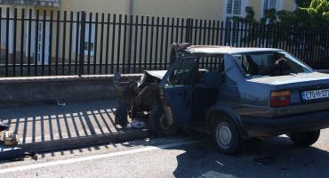 TROJE OZLIJEĐENIH Nakon sudara kod Mostara, jedna osoba u kritičnom stanju