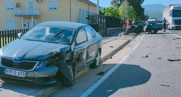 U prometnoj nesreći kod Mostara ozlijeđene najmanje dvije osobe