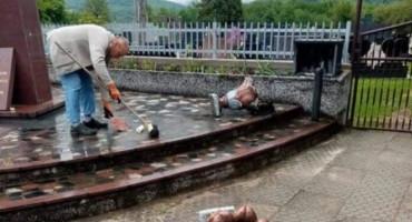 VANDALIZAM Kod Viteza oskvrnuto spomen obilježje posvećeno ubijenim Hrvatima