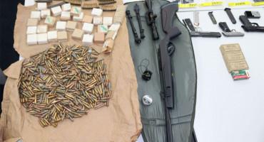 BIH Policija zaplijenila više vrsta droga, oružje i oko 75 000 KM