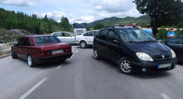 Mještani Zvirovića blokirali cestu prema Čapljini